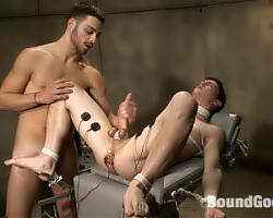 Hot Dude fucked a gay twink while in bondage and tortured him so much